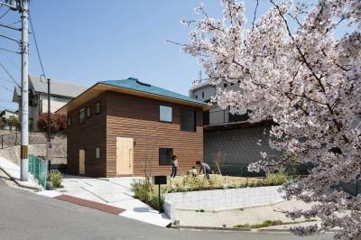 四つ角の家|家の中に4つの小さな家がある住宅【大阪府堺市】 (四つ角の家|外観西から)