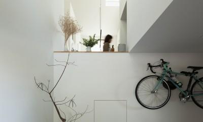 四つ角の家|土間ガレージ|四つ角の家|家の中に4つの小さな家がある住宅【大阪府堺市】