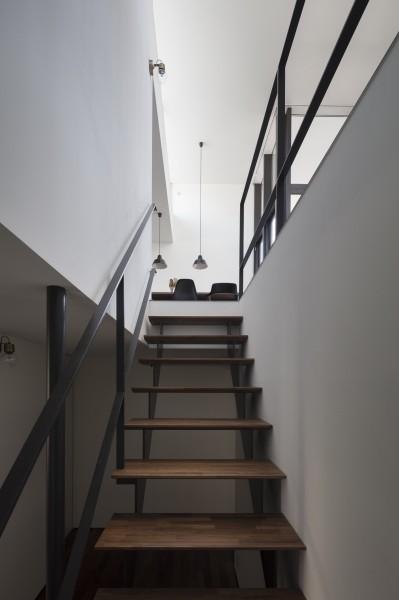 階段 (祐天寺のいえ)
