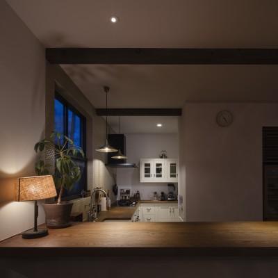 キッチン夜景 (Primitive house)