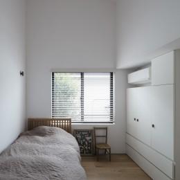Primitive house (寝室)