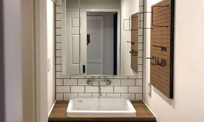 有孔ボードを活用した洗面室|Y様邸