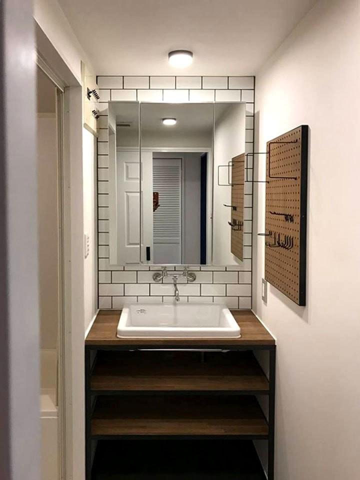 Y様邸 (有孔ボードを活用した洗面室)