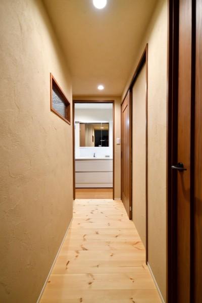 廊下 (横浜市H様、N様邸 ~ここちよいキョリで暮らす~)