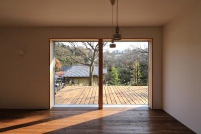 片瀬の家 親世帯LDK・2 (片瀬の家~雛壇敷地に建つ、桜を望める二世帯住宅~)