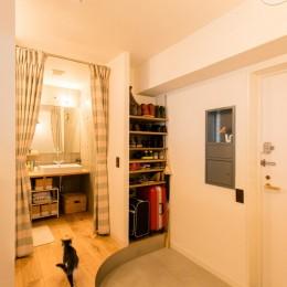造作キッチンから隅々まで見渡せる開放空間