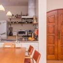 ACE~ビルのワンフロアを広々と使い、団らんの時、趣味の時を堪能する住まい~の写真 キッチン