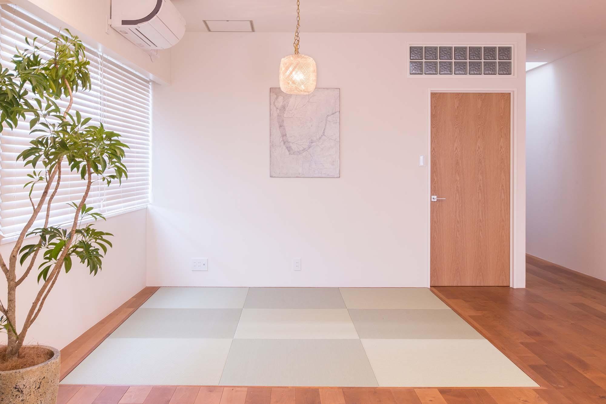 リビングダイニング事例:畳コーナー(ACE~ビルのワンフロアを広々と使い、団らんの時、趣味の時を堪能する住まい~)