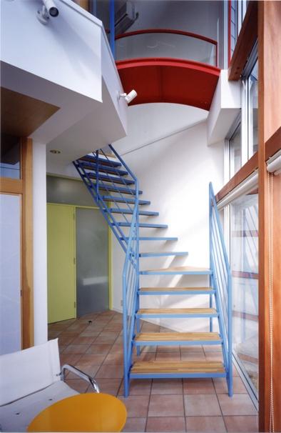 百景楼-海の別荘の部屋 サンルームの赤・青・黄色