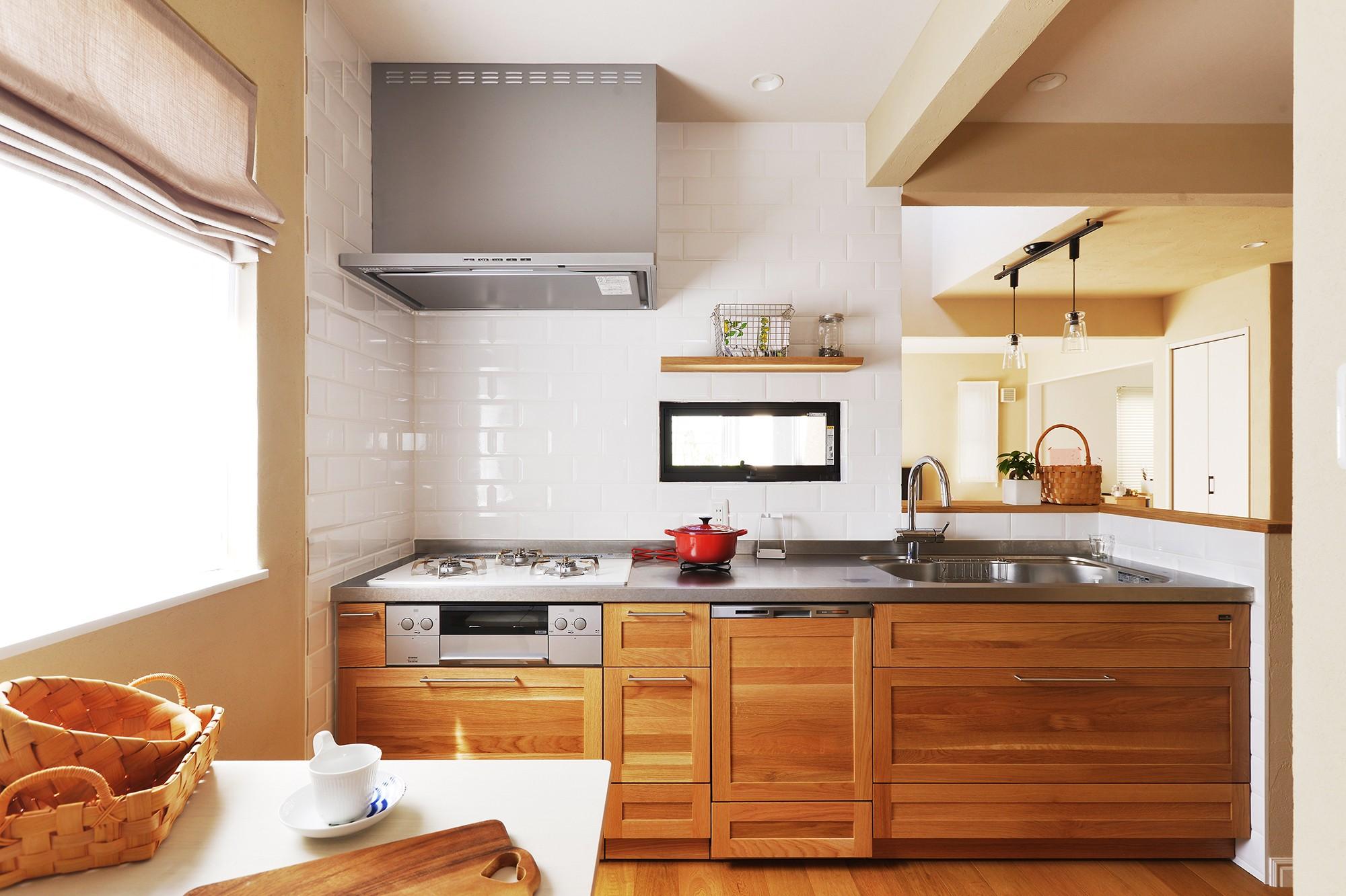 キッチン事例:一部対面式の広々キッチン(横浜市K様邸 ~Smooth Life~)
