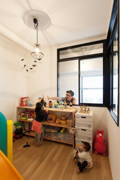 子供部屋 (What's UP?~ラフに気軽に日々を楽しむ、家具とロックの似合う住まい~)