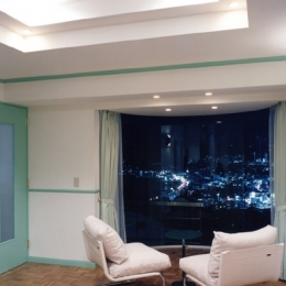 百景楼-海の別荘 (寝室のラウンジより夜景を見る)