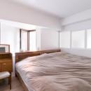 line~明快なゾーニングとモノトーンのカラーリング。際立つ「美しい境界線」~の写真 ベッドルーム