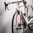 line~明快なゾーニングとモノトーンのカラーリング。際立つ「美しい境界線」~の写真 自転車置き場