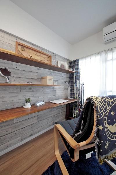 書斎 (ギャラリーのような広く洗練された空間に)
