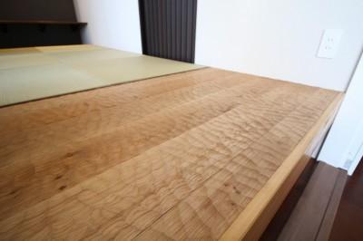 スプーンカットのフローリング (洋室を分割して、書斎を兼ねた和室を造る)