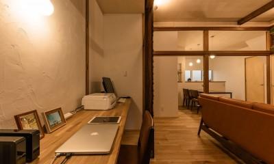 床の間と仏間を貫く作業台|築48年戸建リノベ|既存を活かした金沢の住まい