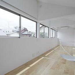 長窓の家 (寝室)