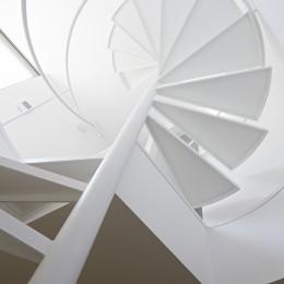 長窓の家 (階段)