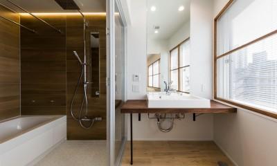 バスルーム|現代アートが生きるアーバンペントハウス