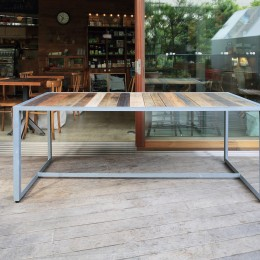 渋谷桜ヶ丘 Day Light Hut & Cafe Table