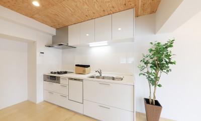 中古マンション・フルリノベーション_001「木の暖かみにあふれた優しい家」 (001「木の暖かみにあふれた優しい家」キッチン)