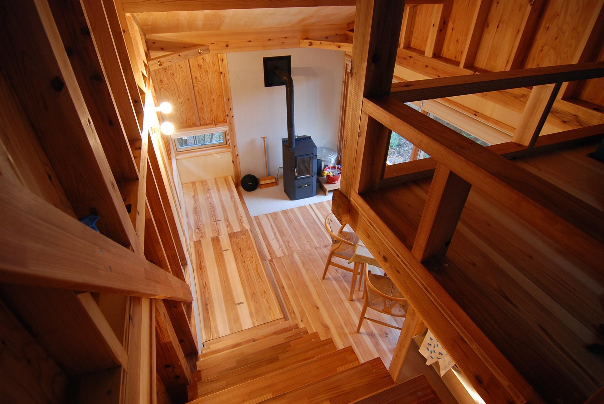 リビングダイニング事例:木構造現し(OUR CABIN OUR DIY~直営、DIYで小屋をつくる~)