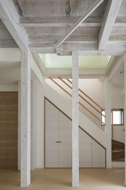 光と風のリノベーション住宅 (リビング)