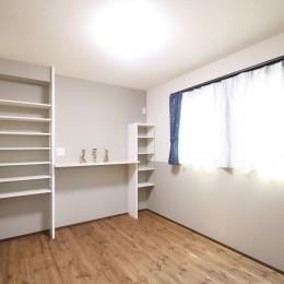 無垢材と珪藻土の湘南スタイルの家 (2F寝室)