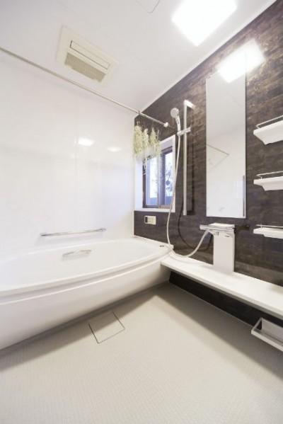 浴室 (憧れのエレガントモダンな空間)
