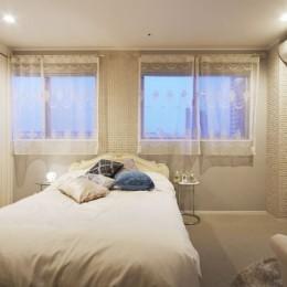 憧れのエレガントモダンな空間 (寝室)