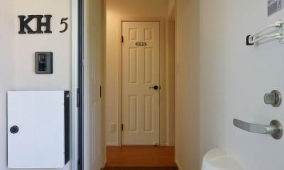 ファミリータイプのアパートは、壁面靴収納|Kengington House(ケンジントンハウス)