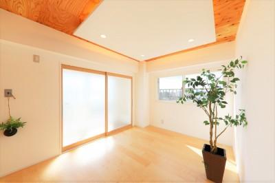 002「光と風が通りぬけるやすらぎの住空間」リビング (中古マンション・フルリノベーション_002「光と風が通りぬけるやすらぎの住空間」)