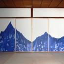 壁紙 WhO(フー)の住宅事例「壁紙を襖に用いて和室をモダンにリノベーション」