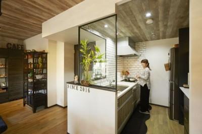 キッチン (お気に入りの雑貨に囲まれたニューヨークカフェスタイルのお家)