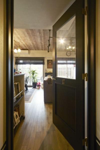 リビングドア (お気に入りの雑貨に囲まれたニューヨークカフェスタイルのお家)