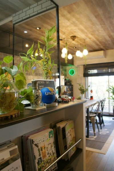 お気に入りの雑貨に囲まれたニューヨークカフェスタイルのお家 (キッチン)