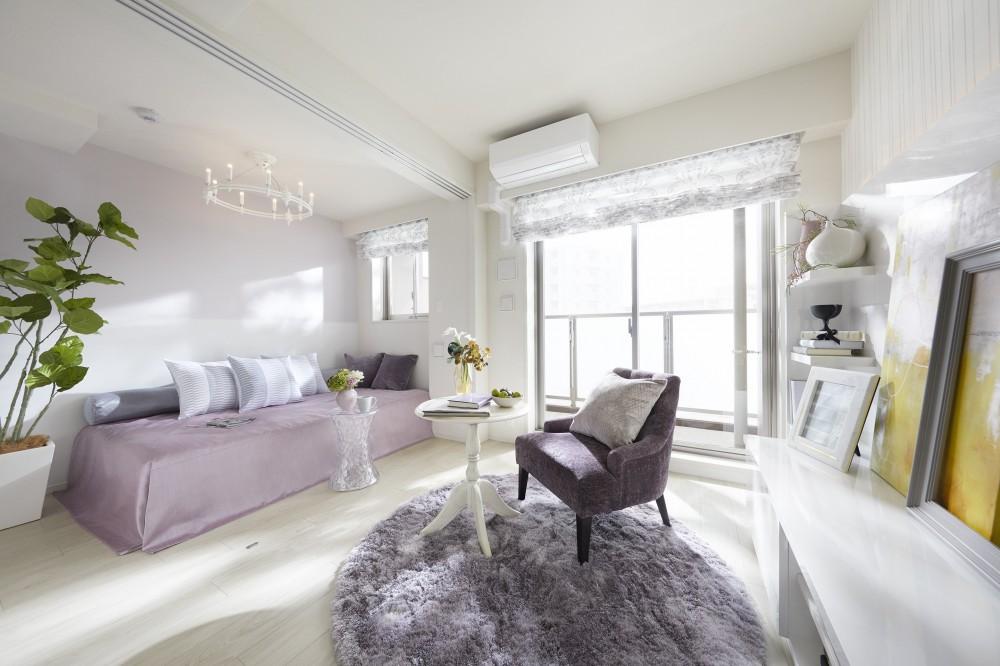 多彩なパターンを各部屋に使用したモデルルーム (居室)
