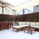 風知蒼の住宅事例「白いタイルテラス・ガーデンキッチンでアウトドアリビング」