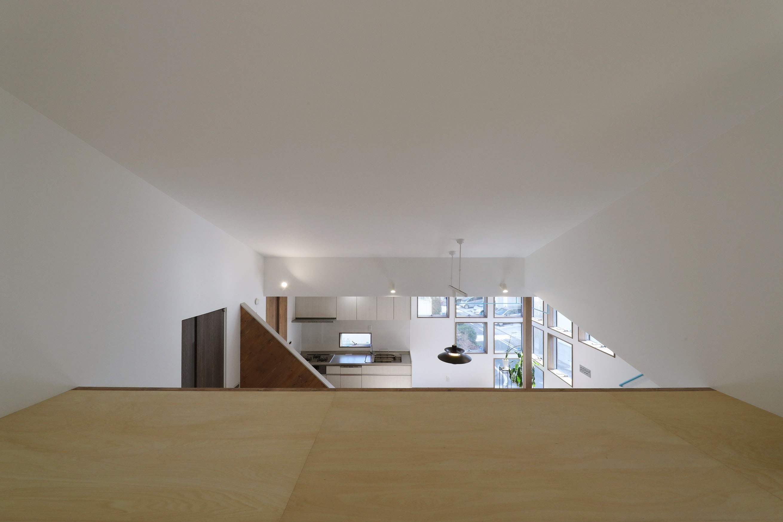 その他事例:リビング内ロフト(斬新なアイデアいっぱいの家。とことん色にこだわりました。)