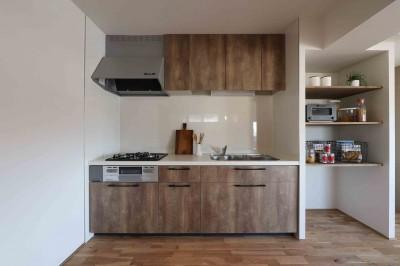 開放感のあるLDKのナチュラルテストのリノベーション (キッチン)