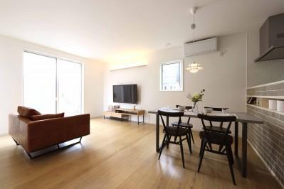 エアコン1台で家じゅうぽかぽか♪デザイン性の高い高気密・高断熱の家。 (LDK)