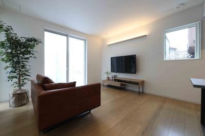 エアコン1台で家じゅうぽかぽか♪デザイン性の高い高気密・高断熱の家。 (リビング)