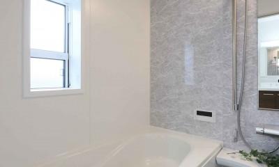 エアコン1台で家じゅう快適。デザイン性の高い高気密・高断熱の家。 (浴室)