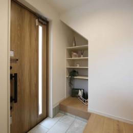 エアコン1台で家じゅうぽかぽか♪デザイン性の高い高気密・高断熱の家。 (玄関)