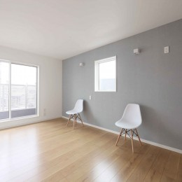 エアコン1台で家じゅう快適。デザイン性の高い高気密・高断熱の家。 (主寝室)