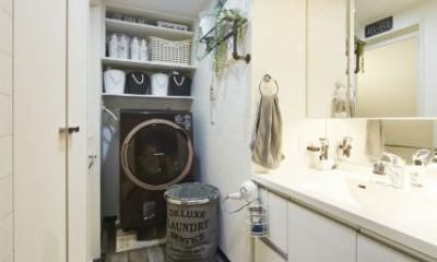 お気に入りの雑貨に囲まれたニューヨークカフェスタイルのお家 (洗面所)