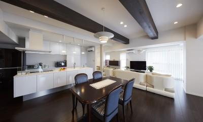 家族全員のプライベート空間を確保したメゾネット住宅