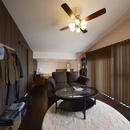 家族全員のプライベート空間を確保したメゾネット住宅 (隠れ家のような個室)