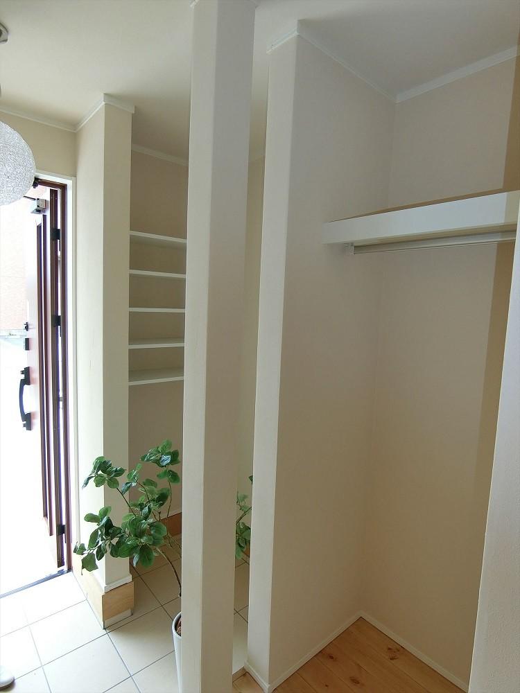デザイナーズ企画仕様:シンプルハウスN (玄関収納)